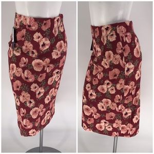 NWT DOWNEAST SKIRT Stretch Floral Pencil SMALL